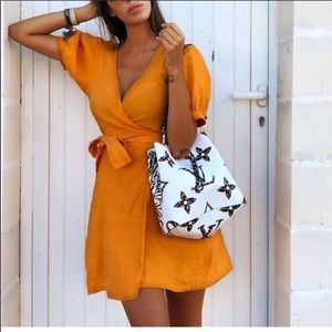 NWT Bloggers Fav Linen Orange wrap dress❤️❤️